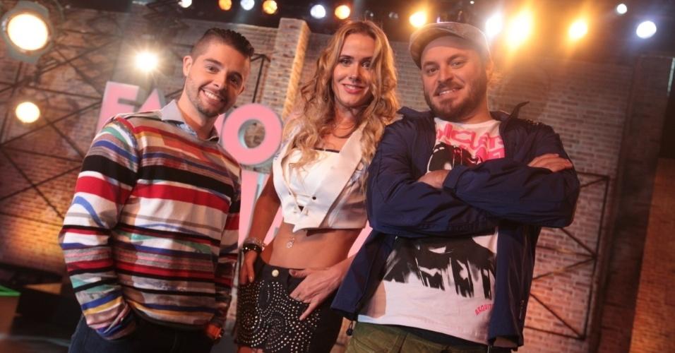 """2.set.2013 - Diego Ramiro, Lola Melnick e Paulinho Serra participaram do lançamento do reality show """"Famoso Quem?"""" nesta segunda nos estúdios do SBT, em São Paulo. A atração estreia no dia 14 de setembro"""