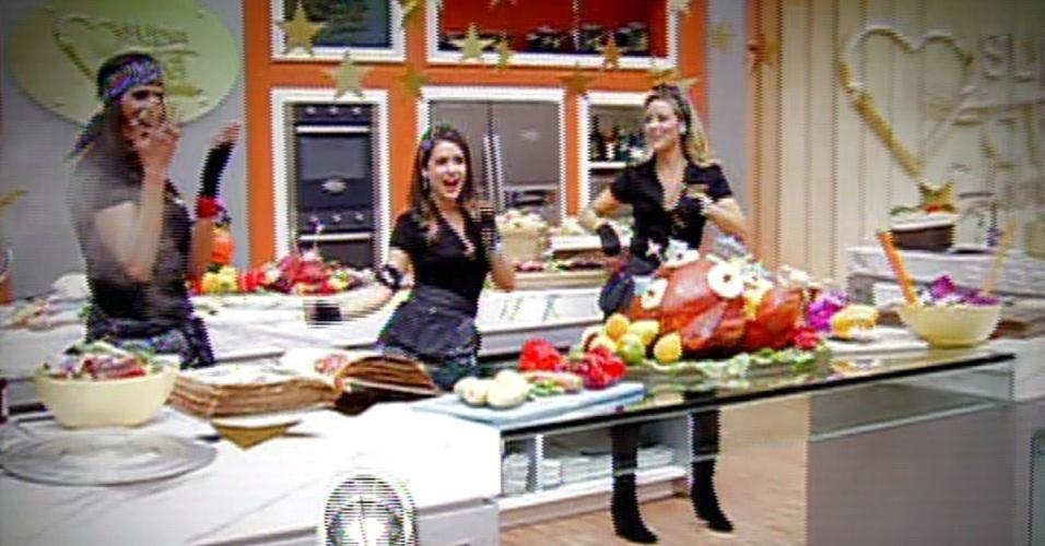"""2.set.2013 - Em clipe gravado para a final do """"Super Chef Celebridades"""" 2013, Virna, Monique Alfradique e Christine Fernandes dançam ao som de paródia de """"O Show das Poderosas"""", da funkeira Anitta"""