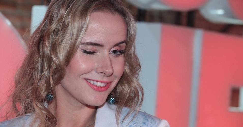 """2.set.2013 - Lola Melnick participou do lançamento do reality show """"Famoso Quem?"""" nesta segunda nos estúdios do SBT, em São Paulo. A atração estreia no dia 14 de setembro"""