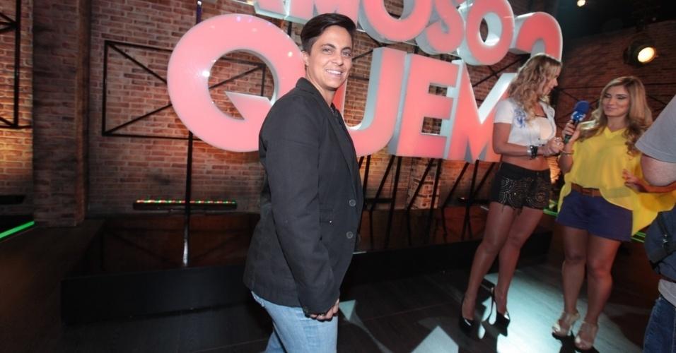 """2.set.2013 - Thammy Miranda participou do lançamento do reality show """"Famoso Quem?"""" nesta segunda nos estúdios do SBT, em São Paulo. A atração estreia no dia 14 de setembro"""