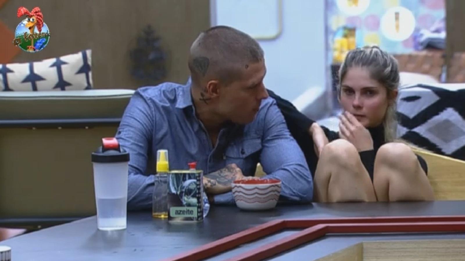 03.set.2013 - Bárbara comenta que o cantor Naldo foi muito atencioso com Yani de Simone