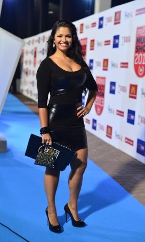 3.set.2013 - A rainha de bateria Thatiana Pagung chega para a entrega do Prêmio Multishow 2013