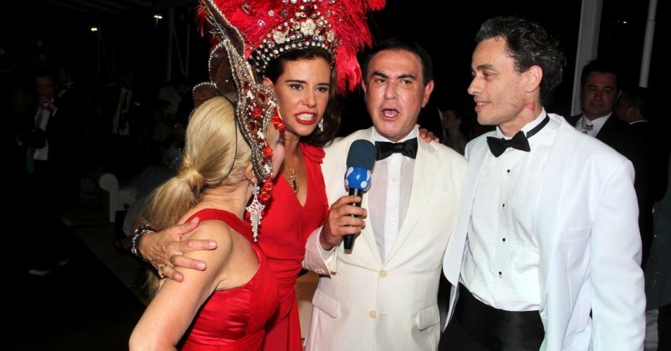 A socialite Narcisa Tamborindeguy no baile do copacabana