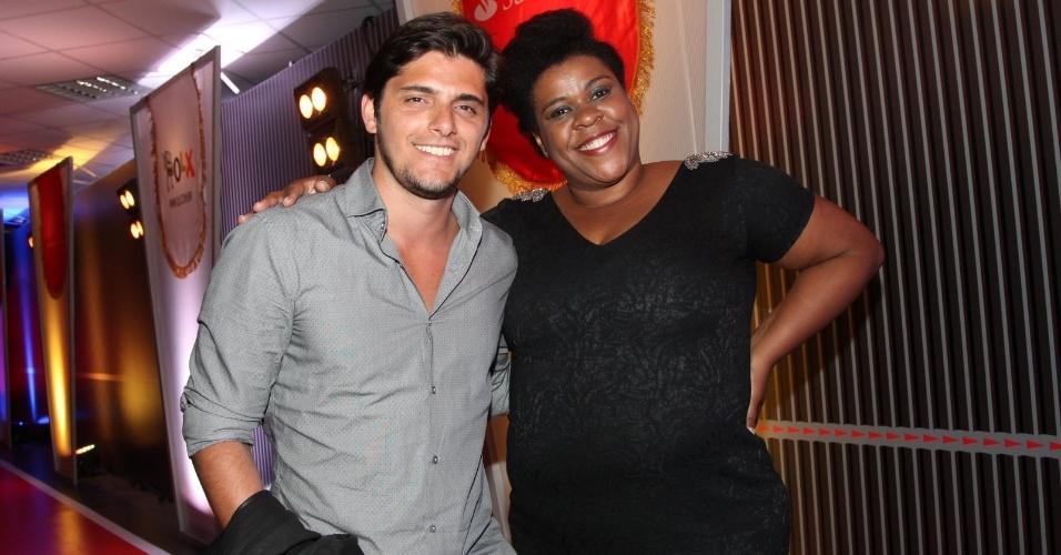 3.set.2013 - Os atores Bruno Gissoni e Cacau Protásio posam juntos na festa do Prêmio Multishow 2013 no HSBC Arena na Barra da Tijuca, Rio de Janeiro