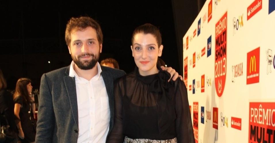 3.set.2013 - O casal de atores Gregorio Duvivier e Clarice Falcão chegam para a cerimônia de entrega do Prêmio Multishow 2013
