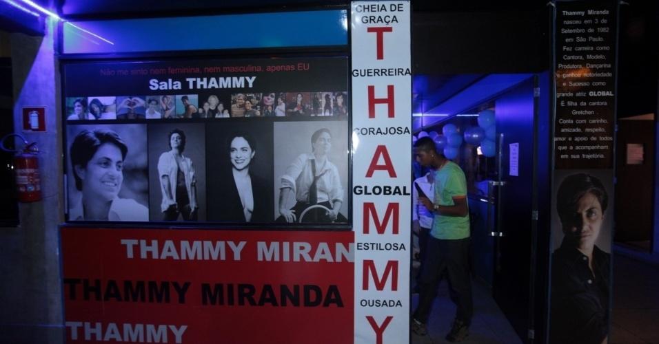 3.set.2013 - Sala especial do karaoke Coconut, em São Paulo, faz homenagem à Thammy Miranda. A atriz comemorou seus 30 anos com uma festa no local