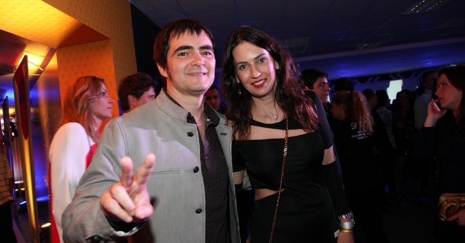 3.set.2013 - Samuel Rosa com a mulher na festa do Prêmio Multishow 2013 no HSBC Arena na Barra da Tijuca, Rio de Janeiro