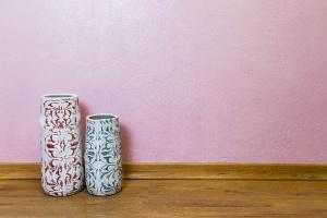 Pinte as paredes com tinta colorida e renove o ambiente sem gastar muito - Reinaldo Canato/ UOL
