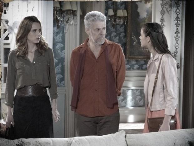 """Em """"Saramandaia"""", Zico diz a Stela que Risoleta era amante de seu pai"""
