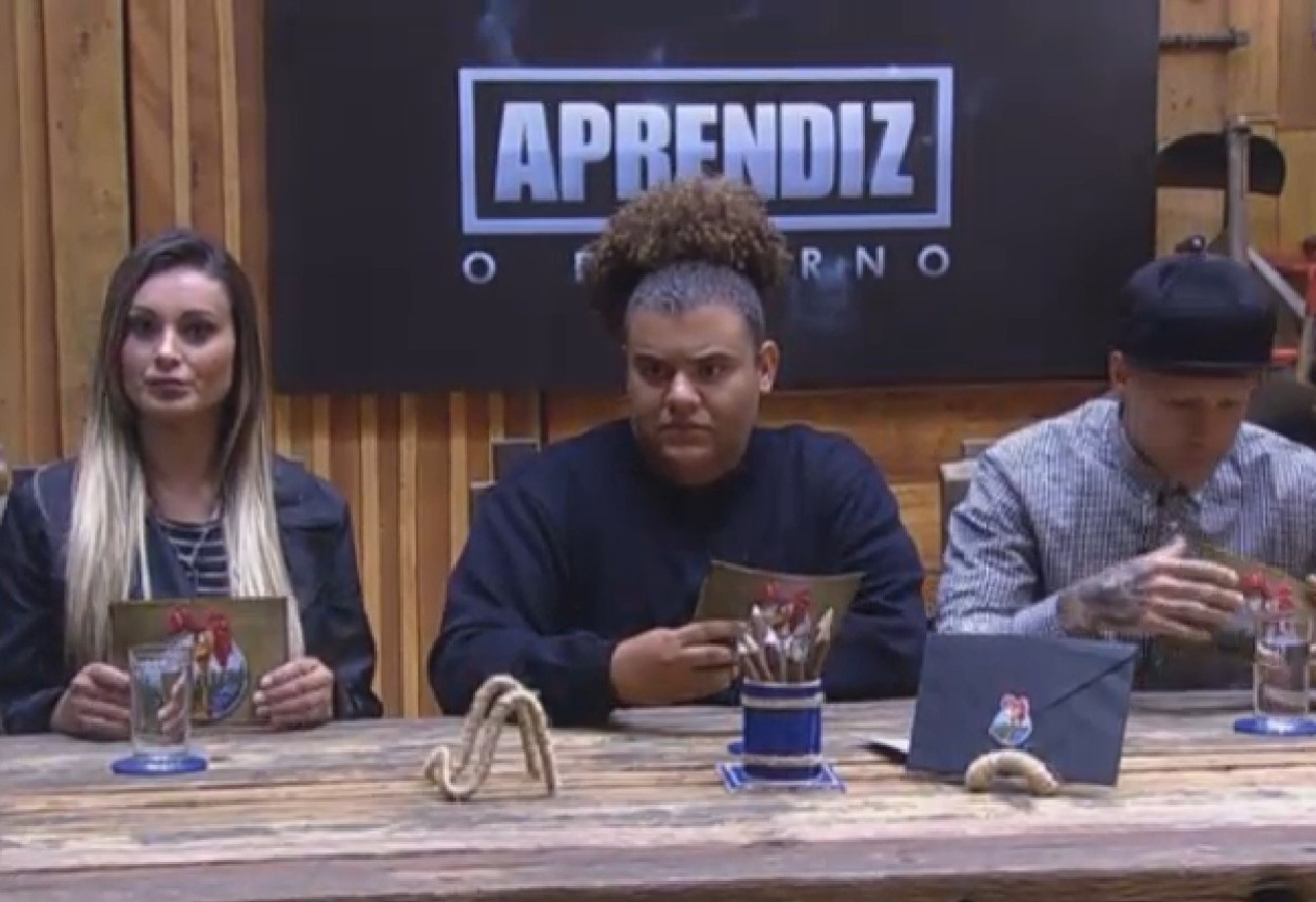 05.set.2013 - Andressa Urach, Gominho e Mateus Verdelho durante o jogo