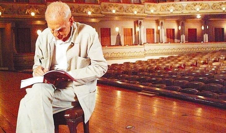 """O escritor Ariano Suassuna em cena do documentário """"Quaderna"""". A dramaturgia, a literatura, o cordel e o sertão do autor paraibano estão no programa inédito que o GNT apresenta em 15 de julho de 2007, a partir das 21h. (Foto: )"""