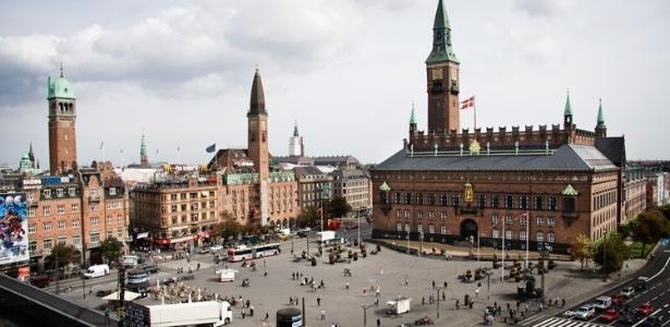 A praça Rådhuspladsen é um dos cartões-postais de Copenhague, na Dinamarca - Divulgação
