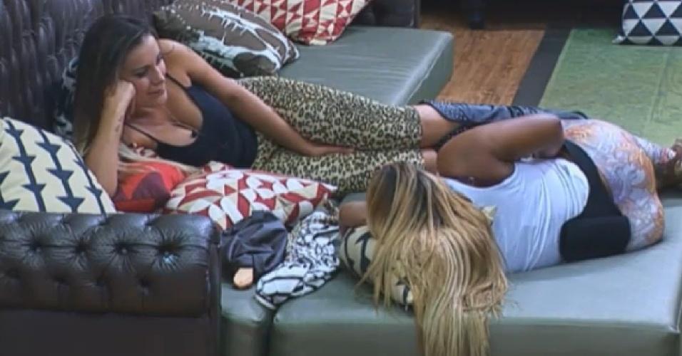 08.set.2013 - Andressa e Mulher Filé fazem planos de morar na zona norte do Rio