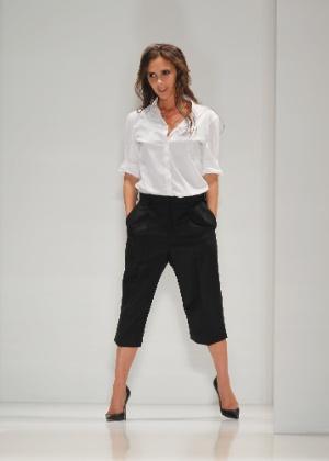 8.set.2013 - Victoria Beckham abriu os desfiles de domingo na temporada Verão 2014 da semana de moda de Nova York - Getty Images