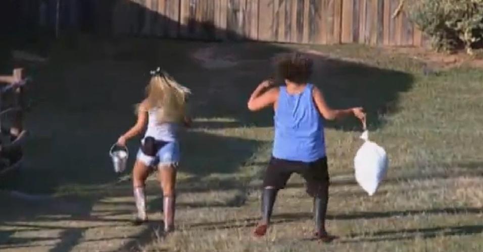 9.set.2013 - Mulher Filé e Gominho cuidaram dos bichos dançando