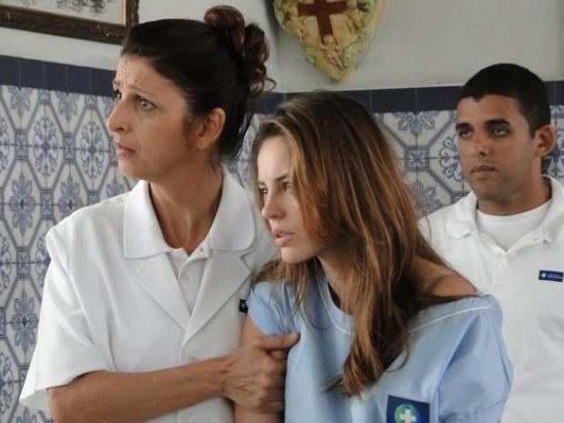 """Em """"Amor à Vida"""", Paloma é resgatada da clínica por Bruno"""