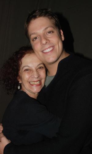 Fábio Porchat e a atriz Regina Gutman no intervalo dos ensaios