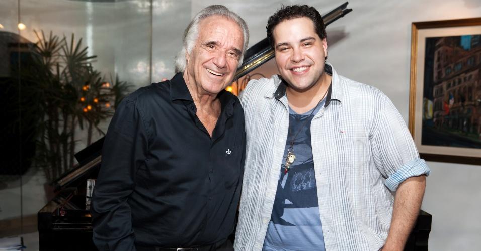 Maestro João Carlos Martins e Tiago Abravanel dividem o palco do Teatro Bradesco nesta terça (10)