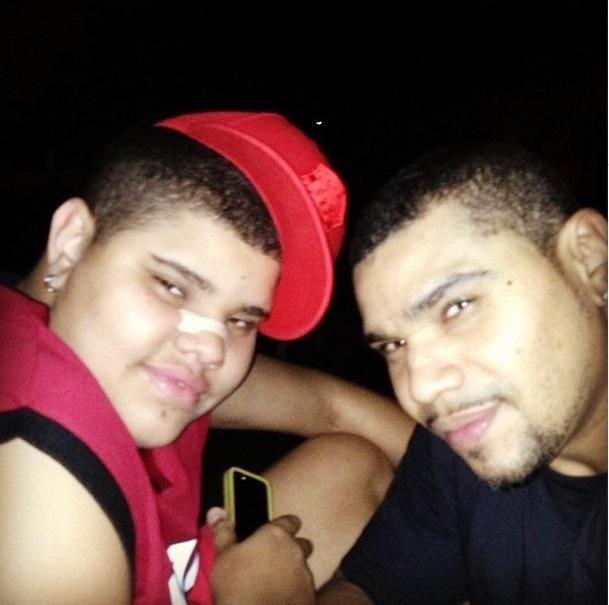 10.set.2013- Naldo com o filho Pablo