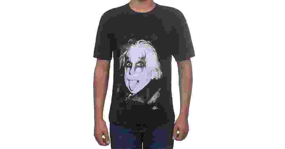 Camiseta com estampa do físico alemão Albert Einsten maquiado como membro do Kiss; R$ 39,90, na Zona Criativa (www.zonacriativa.com.br  ). Preço pesquisado em setembro de 2013 e sujeito a alterações - Divulgacão