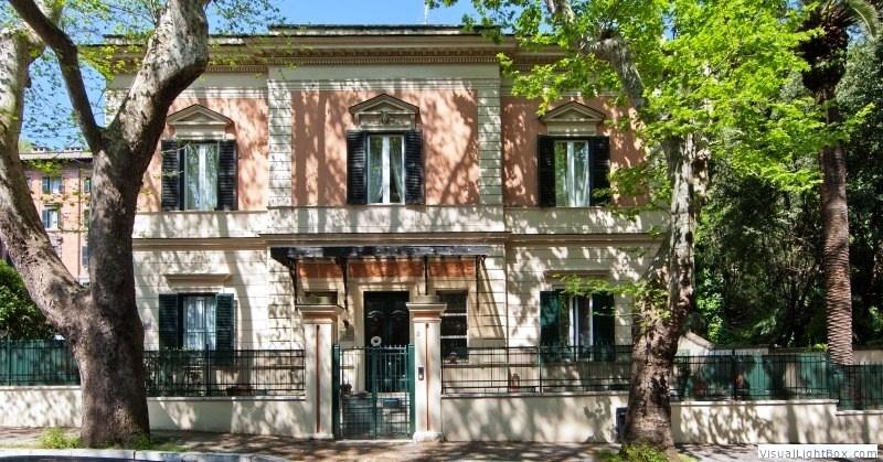 Fachada externa de uma das opções de hospedagem baratas em Roma, o Villa Urbani