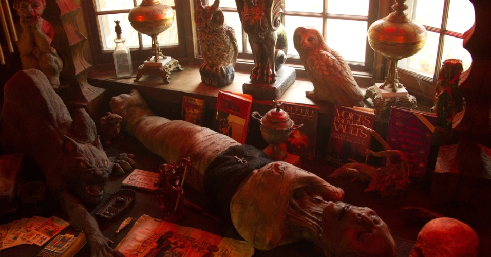 """Objetos que fazem parte do museu Occult Museum, que inspirou o filme """"Invocação do Mal"""""""