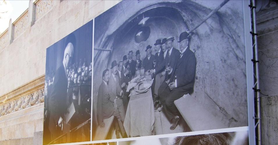 Pôster exibido na entrada do Museo Centrale del Risorgimento, ao lado do Altare della Patria. Os turistas podem visitar gratuitamente um vasto acervo que relata os principais momentos da história italiana