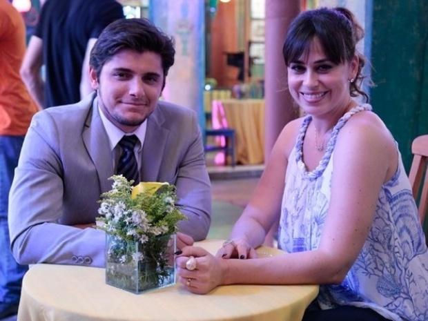 11.set.2013 - Bruno Gissoni e Daniela Escobar tiram foto juntas durante gravação do casamento de Ester (Grazi Massafera) e Cassiano (Henri Castelli). As cenas irão ao ar no último capítulo da trama, que será exibido nesta sexta-feira (13)