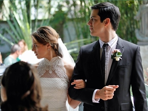 "11.set.2013 - Elenco de ""Amor à Vida"" grava casamento de Paloma (Paolla Oliveira) e Bruno (Malvino Salvador)."