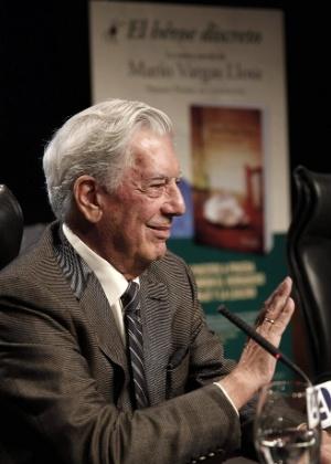 """Mario Vargas Llosa lança """"O herói discreto"""" em Madri - EFE"""