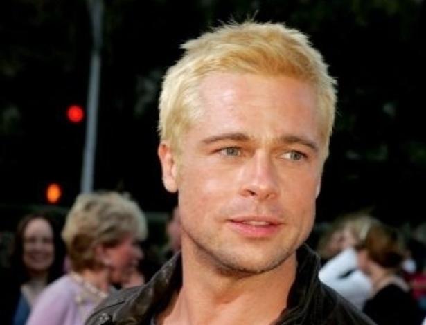 7.jun.2005 - Com os cabelos descoloridos, como na estreia de