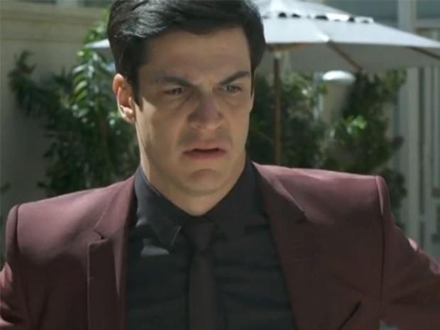 """Em """"Amor à Vida"""", Félix mente para Pilar e diz que não roubou o hospital"""