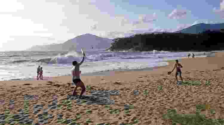 Frescobol no fim de tarde na Paúba - Guilherme Andrade/UOL - Guilherme Andrade/UOL