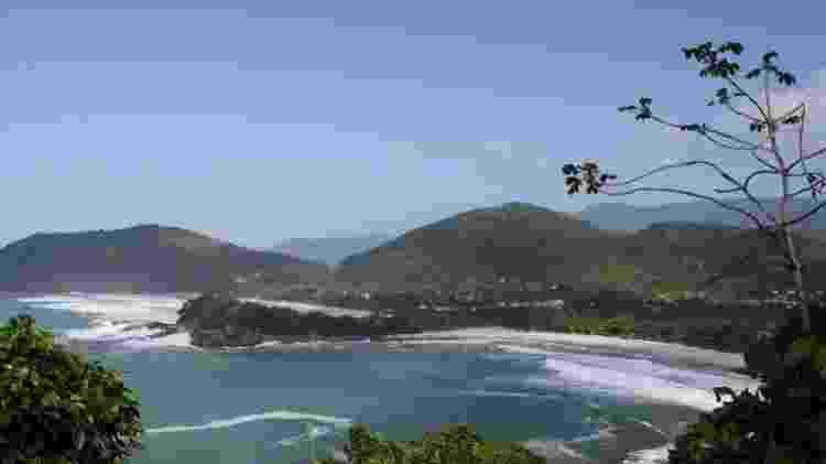 Sepadaras apenas por um ilhote, as praias de Camburi e Camburizinho são freqüentadas por surfistas desde os anos 70 - Guilherme Andrade/UOL - Guilherme Andrade/UOL