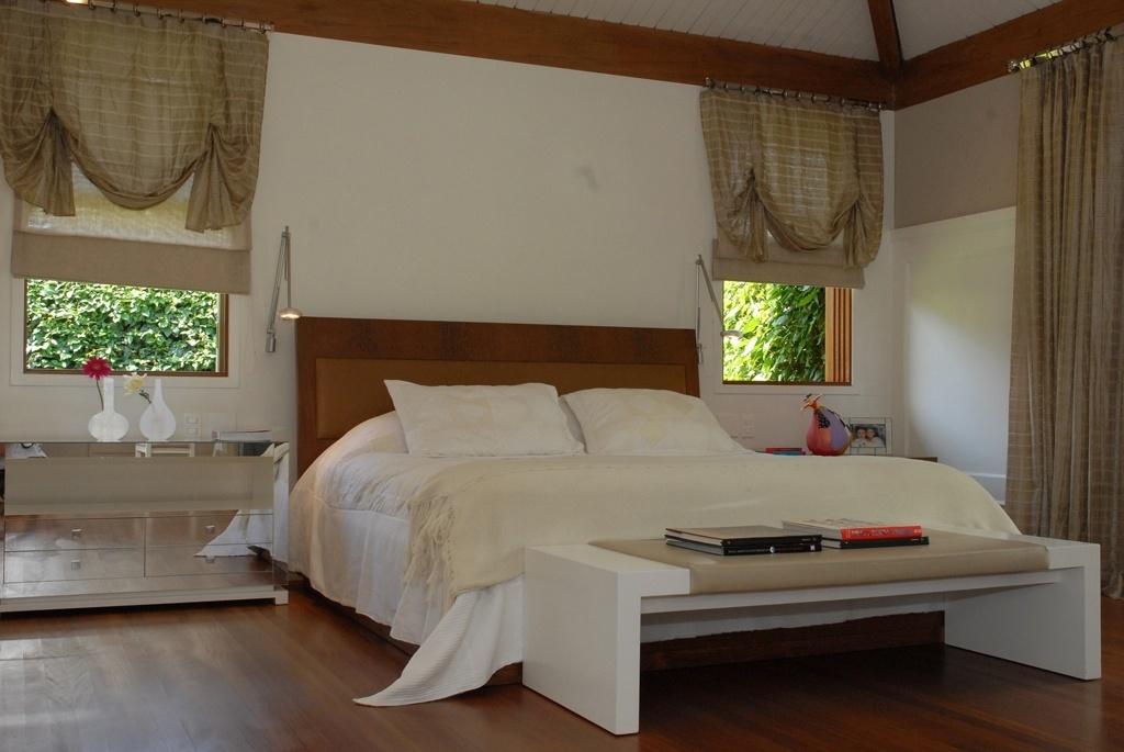 7ec31e6bb Amplo, o quarto com 35 m², idealizado pela designer Viviane Dinamarco,  ficou bem