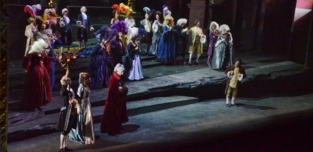 """Cena da ópera """"Don Giovanni"""", de Wolfgang Amadeuz Mozart, que tem sessões no Theatro Municipal de São Paulo nos dias 12, 14, 15, 17, 19, 21 e 22 de setembro. - Gabriel Novaes/Divulgação"""