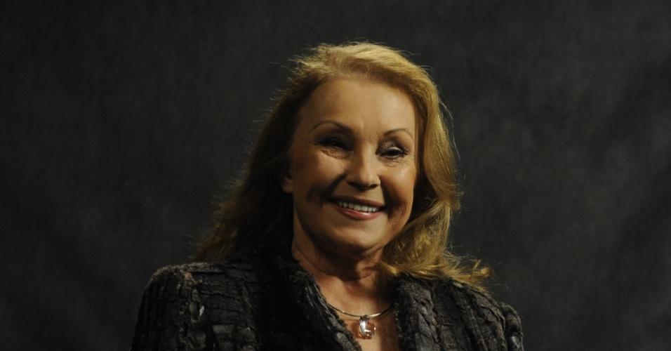"""Norma Blum é Mama Francesca em """"Joia Rara"""""""