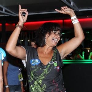 """""""Faço coisas que não fazia antes"""", diz Solange Couto, que perdeu 40 quilos"""