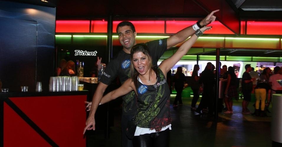 13.set.2013 - Bárbara Borges e o marido Pedro Delfino