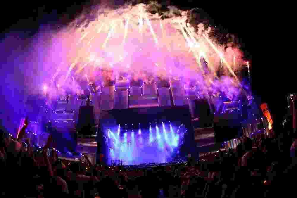 13.set.2013 - Espetáculo de luzes e fogos abre a apresentação Viva Cazuza no Palco Mundo do Rock in Rio - Claudio Andrade/Photorionews