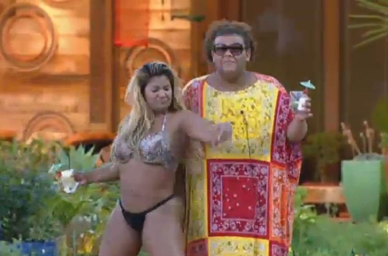 13.set.2013 - Mulher Filé e Gominho fazer performance