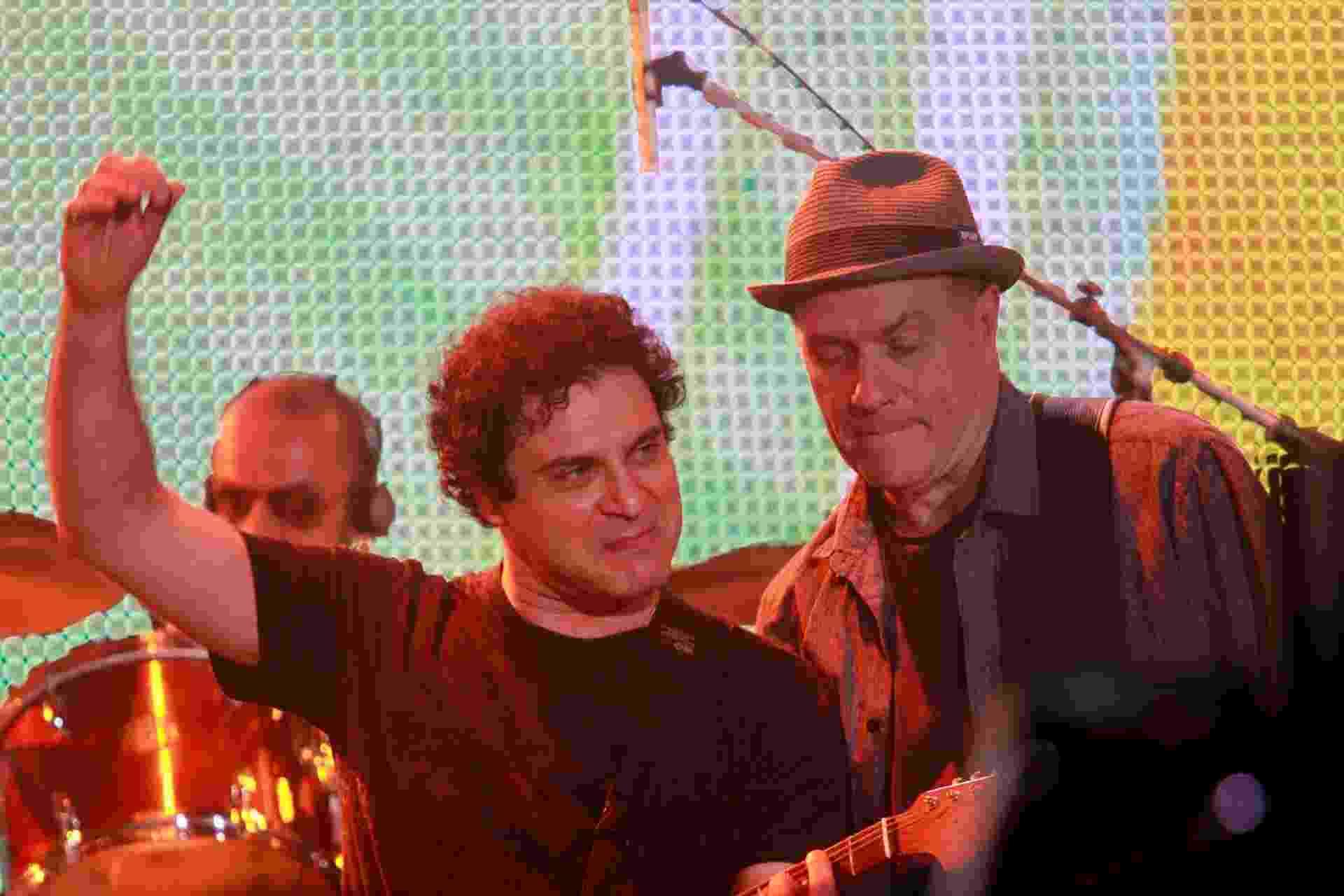 13.set.2013 - O cantor Roberto Frejat, do Barão Vermelho, durante tributo a Cazuza no Rock in Rio - Márcio Cassol/Futurapress/Estadão Conteúdo