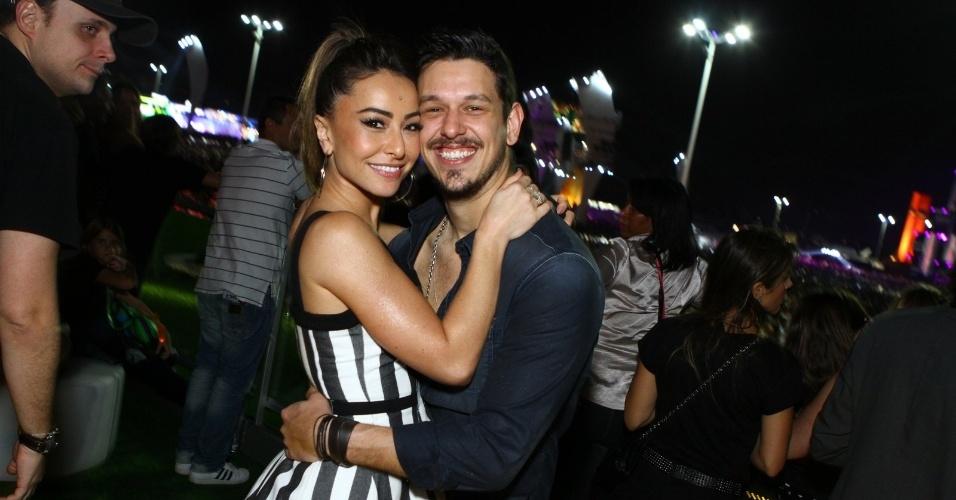 13.set.2013 - Sabrina Sato e João Vicente e Castro curtem camarote no Rock in Rio. A apresentadora disse que foi ao festival só acompanhar o namorado, que é fã da Beyoncé