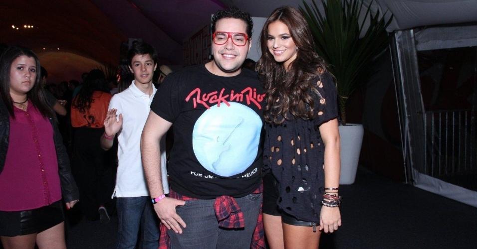 13.set.2013 - Tiago Abravanel e Bruna Marquenize circulam  na área VIP do Rock in Rio