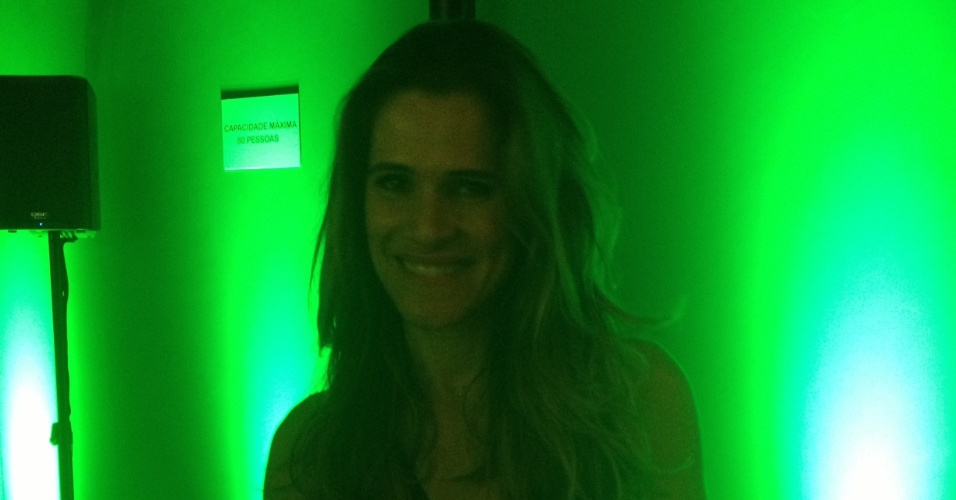 """13.set.2013 - A atriz Ingrid Guimarães, que está em """"Sangue Bom"""" como Tina, no camarote do Rock in Rio"""