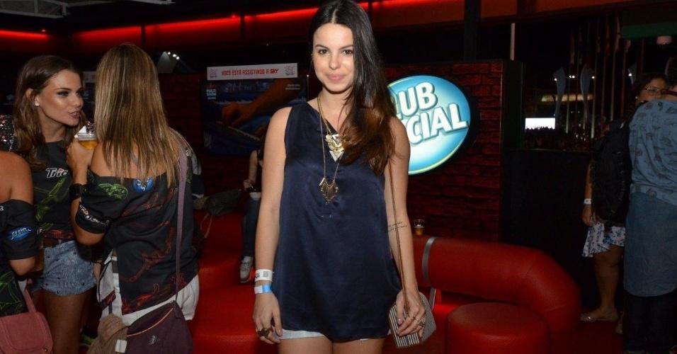 14.set.2013 - A atriz Sthefany Brito marca presença no segundo dia de Rock in Rio