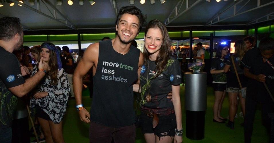 14.set.2013 - Rodrigo Simas e Agatha Moreira posam juntos no Rock in Rio