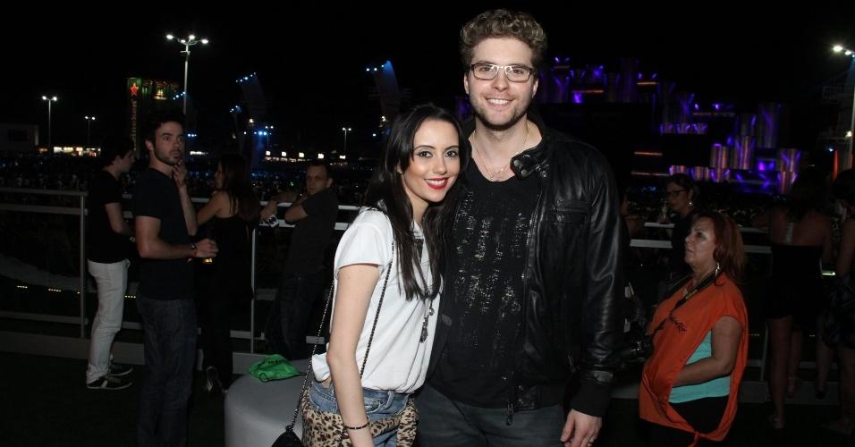 14.set.2013 - Thiago Fragoso e a mulher Mariana Vaz curtem segundo dia de Rock in Rio