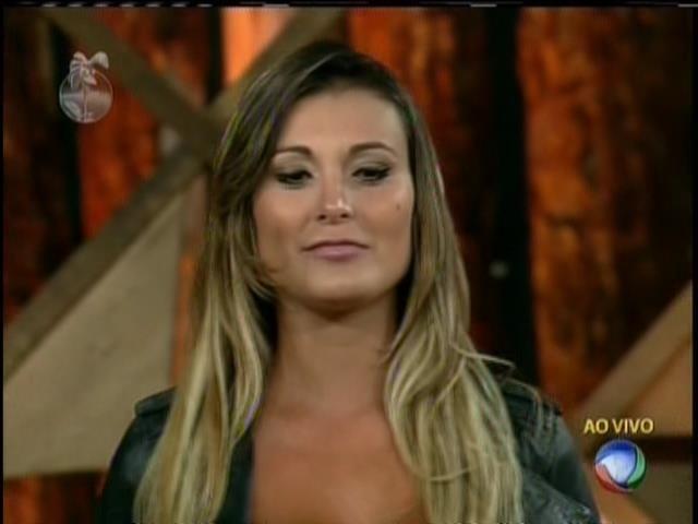 15.set.2013 - Andressa é eliminada da