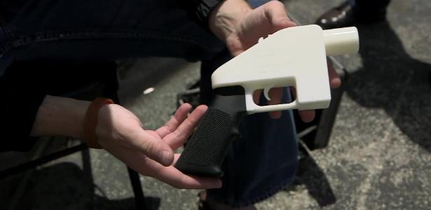 Museu de Londres vai exibir polêmica arma de plástico feita com impressora 3D - BBC